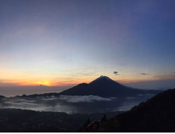 5 differences climb Mount Batur and Mount Agung You Should Know