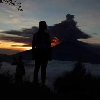 Climbing mount batur without guide